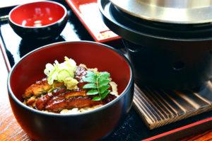 燻し鰻と炊きたてご飯イメージ